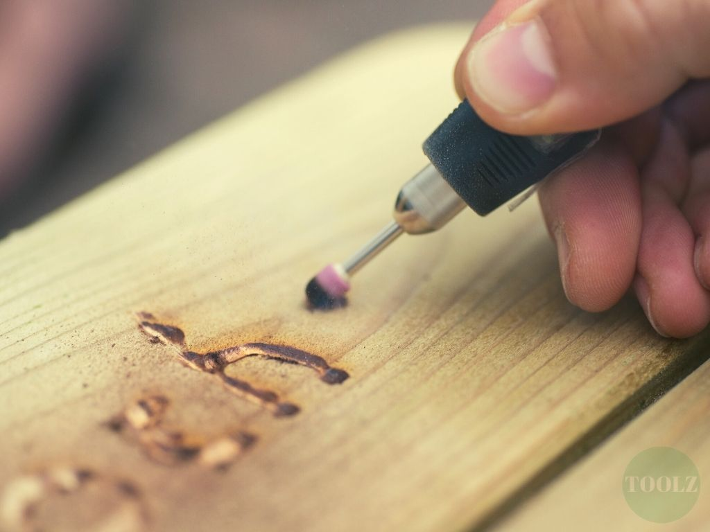 Top 5 Best Wood Burning Kits For Crafts & Stippling (Beginners & Professionals) (2021 Reviews)