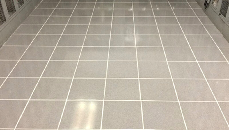 Tile-grouting-bathroom-flooring-How-to-lay-tile