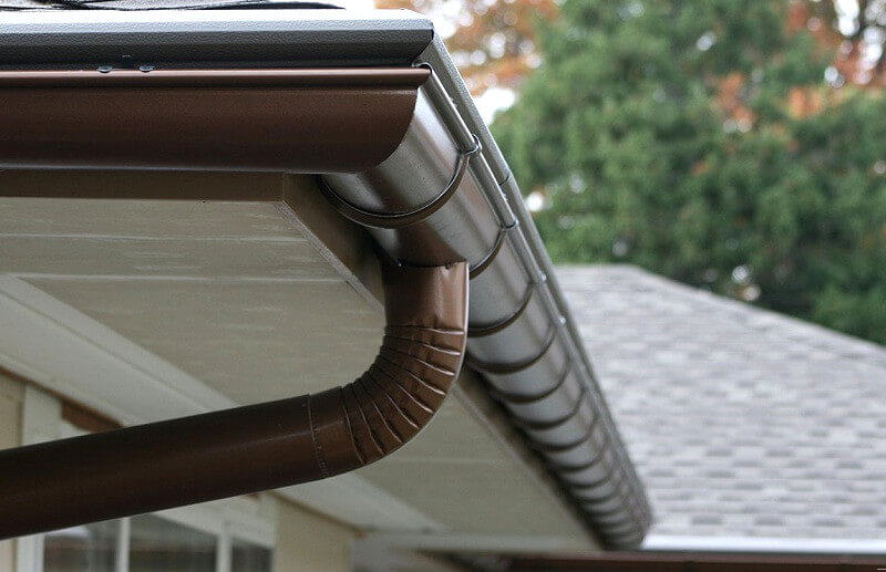 downpipe-adding-gutter-installation-How-to-install-guttering