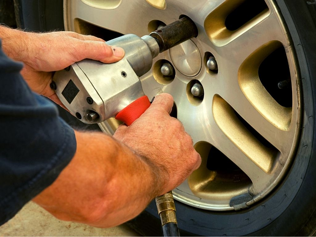 How does an Impact Wrench Work? Impact Wrench Basics